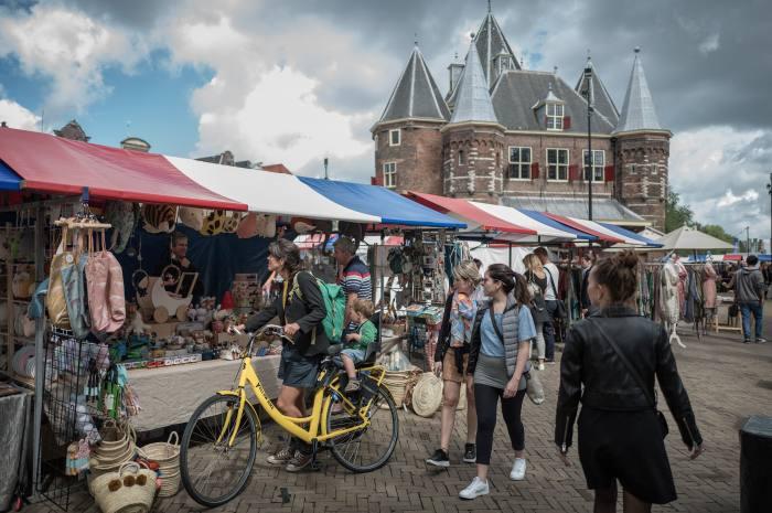 The bustle of Amsterdam's Nieuwmarkt square
