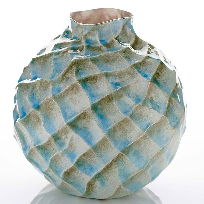 Seni Vase (2018)