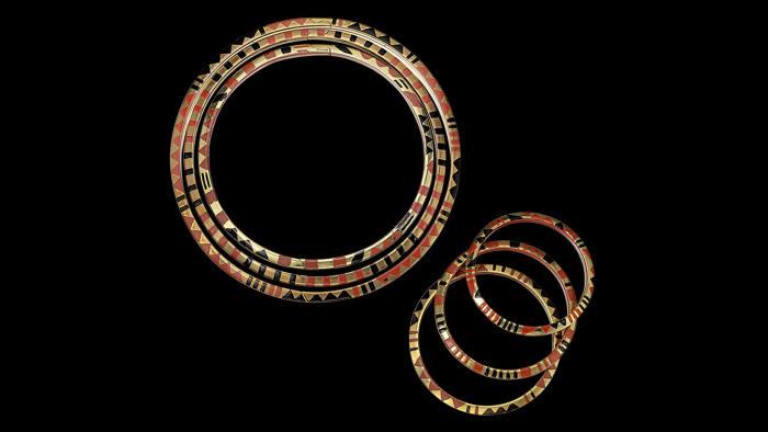 'Giraffe' necklaces and bracelets