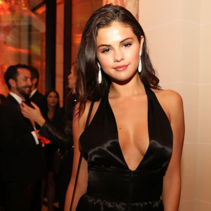 PARIS, FRANCE - SEPTEMBER 30: Selena Gomez attends the CR Fashion Book Issue No.5 Launch Party hosted by Carine Roitfeld and Stephen Gan at The Peninsula Paris on September 30, 2014 in Paris, France. (Photo by Antonio de Moraes Barros Filho/WireImage)