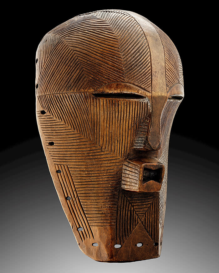 SONGYE KIFWEBE MASK Wood with pigments Height 44 cm (17.3 in.) Republic Democratic of the Congo - Late 19th-early 20th CLAES GALLERY