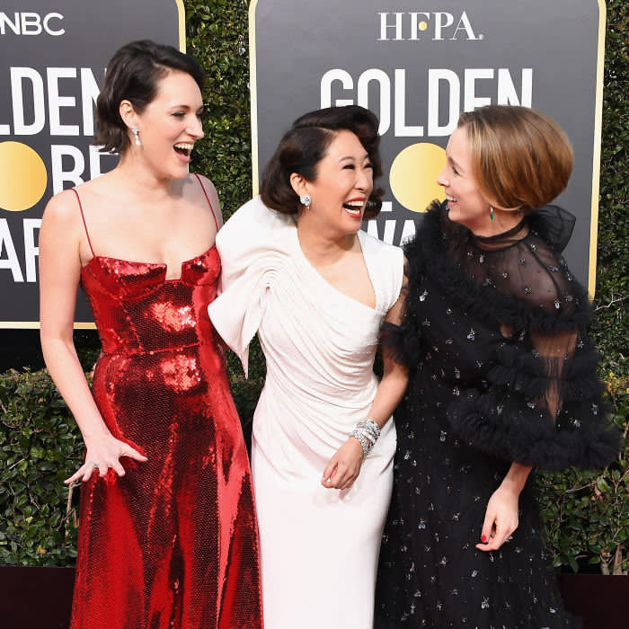 BEVERLY HILLS, CA - JANUARY 06: (L-R) Phoebe Waller-Bridge, Sandra Oh and Jodie Comer attend the 76th Annual Golden Globe Awards at The Beverly Hilton Hotel on January 6, 2019 in Beverly Hills, California. (Photo by Steve Granitz/WireImage)