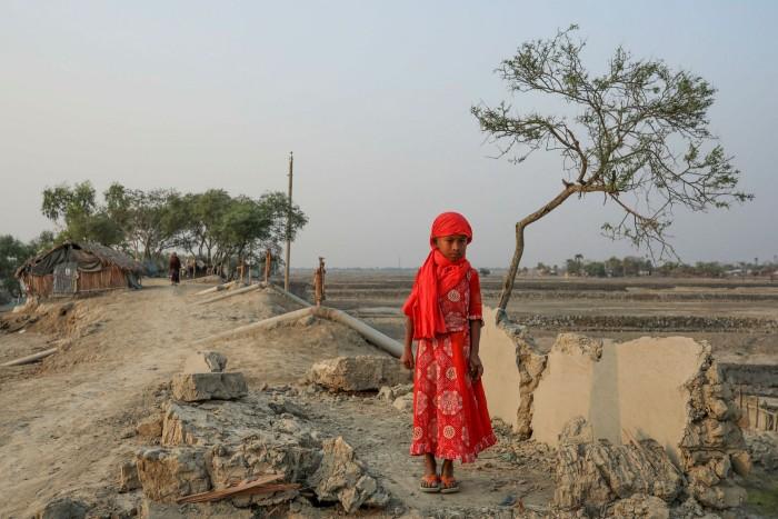 Satkhira in Bangladesh after Cyclone Amphan hit