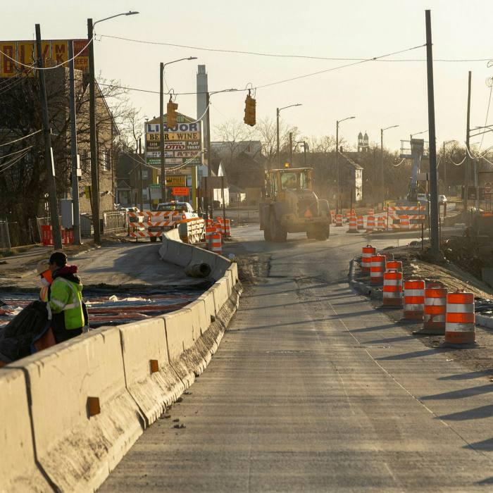 Closed ramps and construction zones along the eastbound I-94 freeway