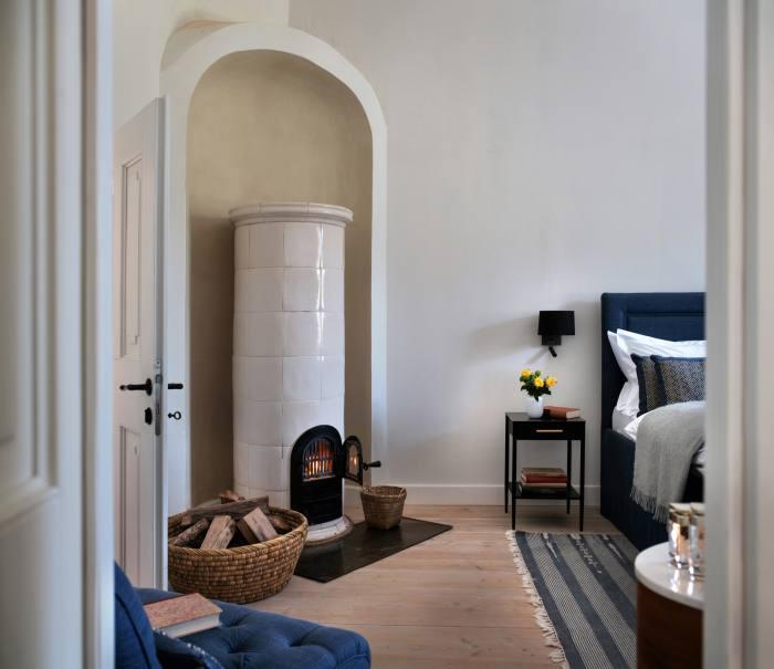 A bedroom at the Caretaker's House, Bethlen Estates
