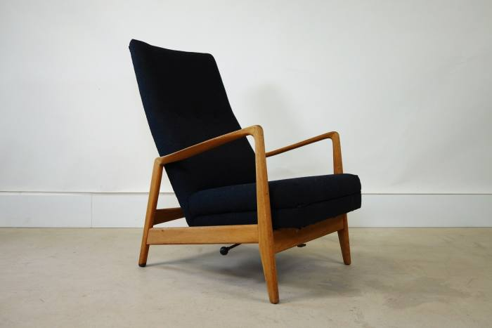 Arnestad Bruk for Cassina vintage recliner lounge chair, POA