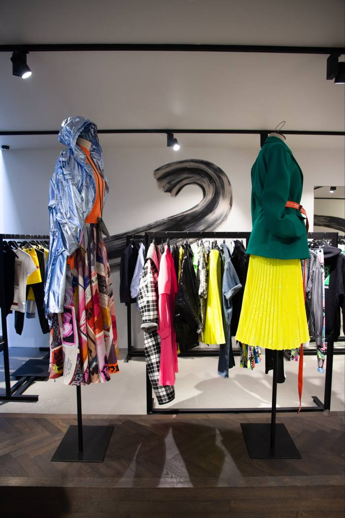 Van der Velden recommends Azzurro Due for fashion buys