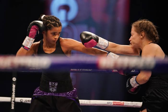 Ali versus EvaHubmeyer at Wembley Arena on 31October, 2020