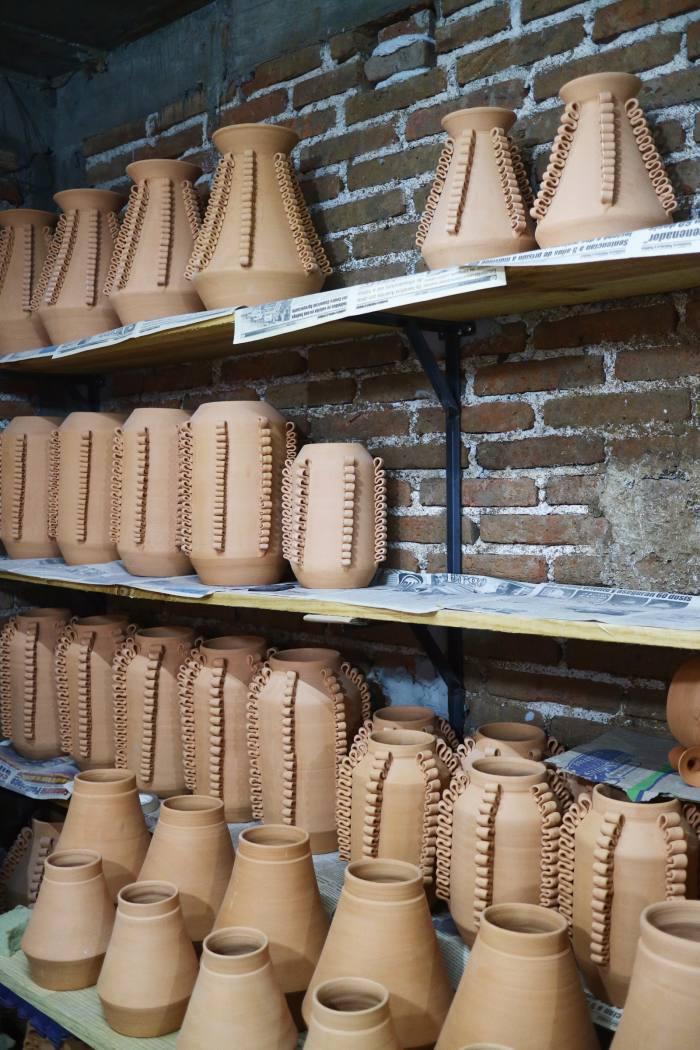 Perla Lola vase type D by Perla Valtierra
