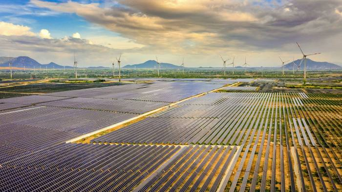 Enlightening: Vietnam has boosted its solar and wind power production