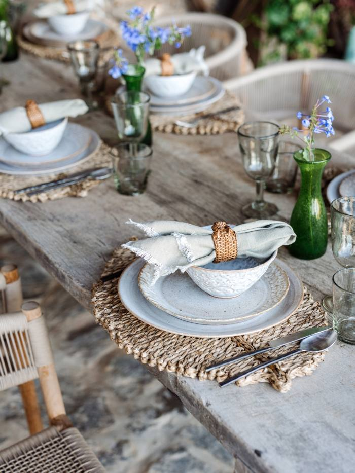 Interior designer Natalia Miyar likes to decorate a table with 'earthy elements'