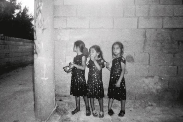 An image of three girls by Eylem (11)