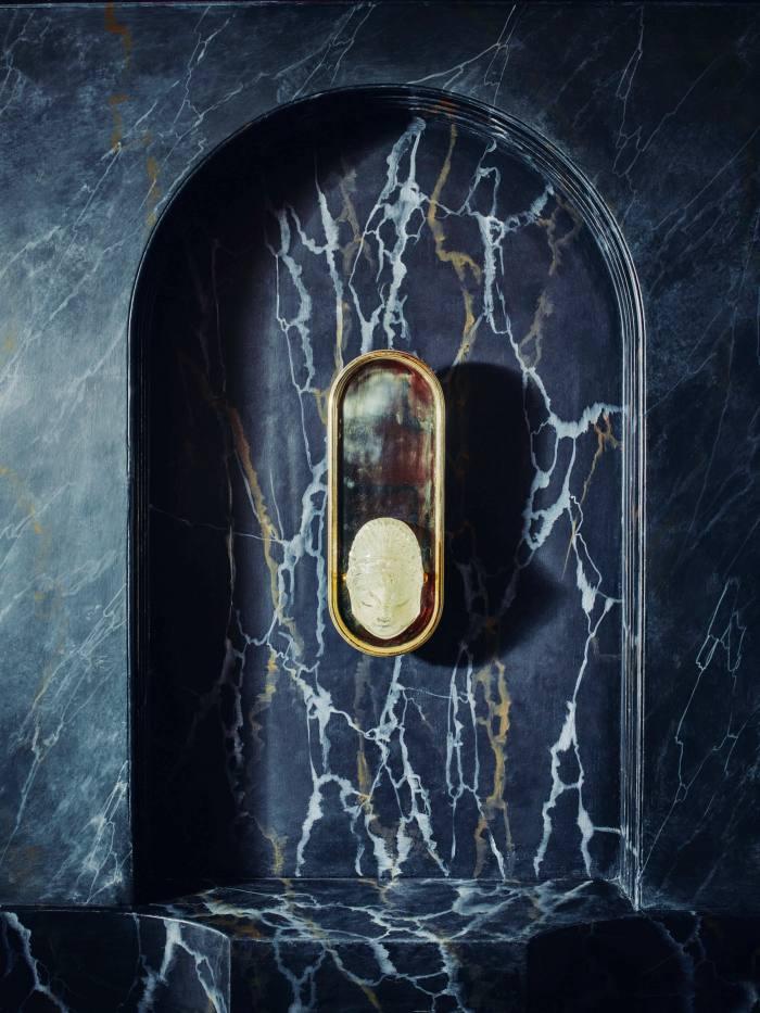 Headbourne walllight, £3,000