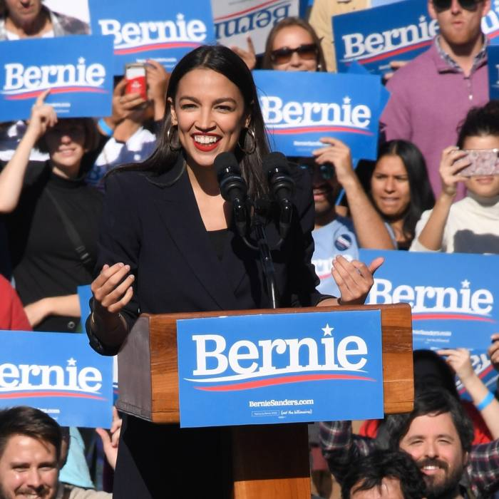 """She announces her support for Democratic presidential hopeful, Bernie Sanders: @berniesanders """"She is an inspiration to people across this country."""" October 19 2019"""