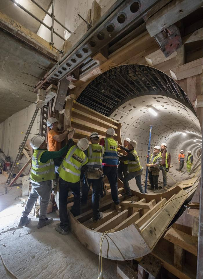 Constructing a new service tunnel under the hotel