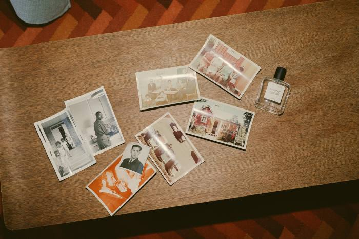 Postcards in the Maya Njie Discovery set